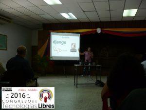 """Ponencia """"Carreras y tencologias que debes tomar en cuenta en el 2016"""" por Angel Guadarrama."""