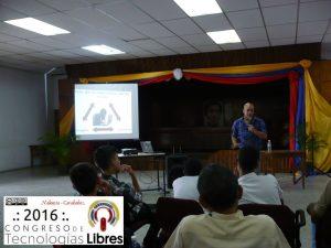 """""""Ingeniería Social y Software libre"""" por el Sensei Manuel Tovar."""