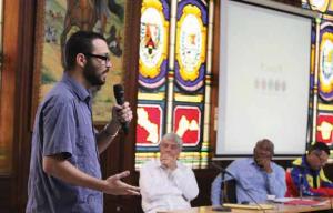 El sistema operativo se adapta a las necesidades de los estudiantes y activistas comunitarios.