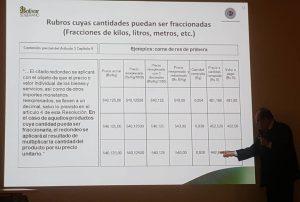 Vicepresidente de Operaciones Nacionales del BCV, Pascual Pinto, da una breve explicación de como será aplicado el redondeo en cuanto a los rubros cuyas cantidades puedan ser fraccionadas, así como el de los rubros que puedan ser expresados con más de dos (2) decimales.